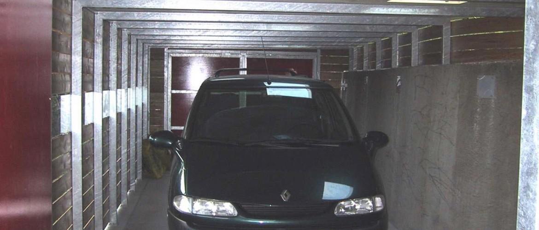 Garage innen 3-web